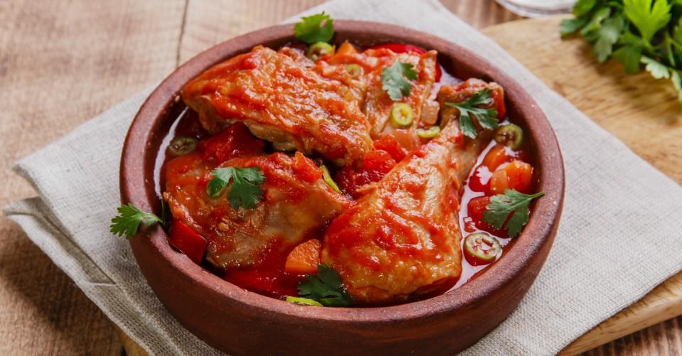 Chakhokhbili – Frango Refogado com Molho de Tomate