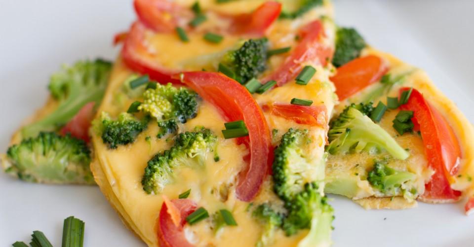 Omelete de Brócolis com Tomate