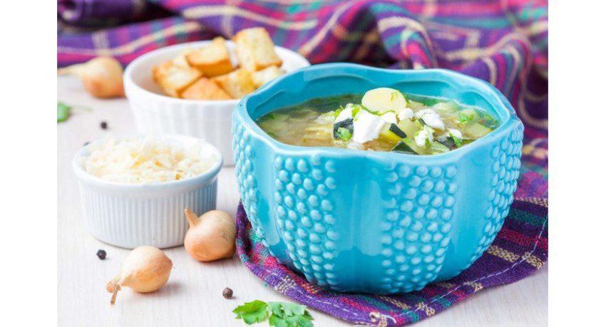 Sopa de Abobrinha com Batatas e Coentro